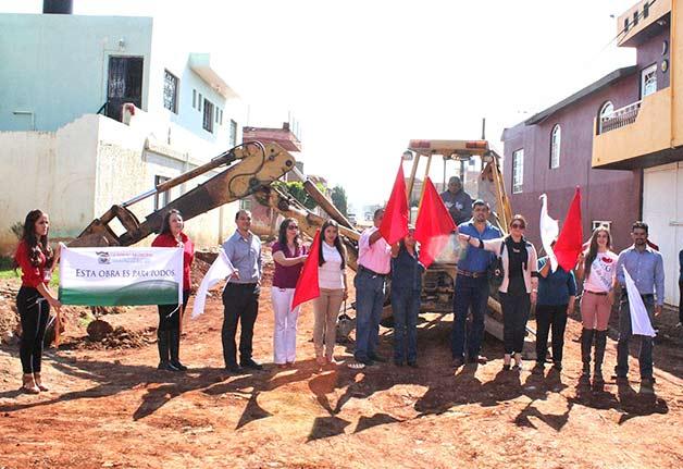 Dan seis banderazos de inicio de obras en San Ignacio Cerro Gordo