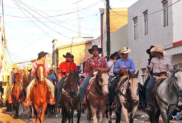 Encuesta ciudadana sobre las Fiestas patrias Arandas 2014