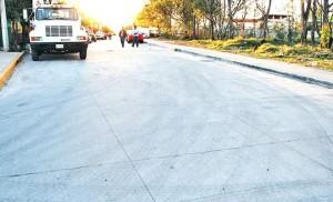 El principal beneficio de las pavimentaciones está en los alumnos de las escuelas de la zona, qu en tiempo de lluvias tenían que atravesar lagunas de lodo para llegar a estudiar