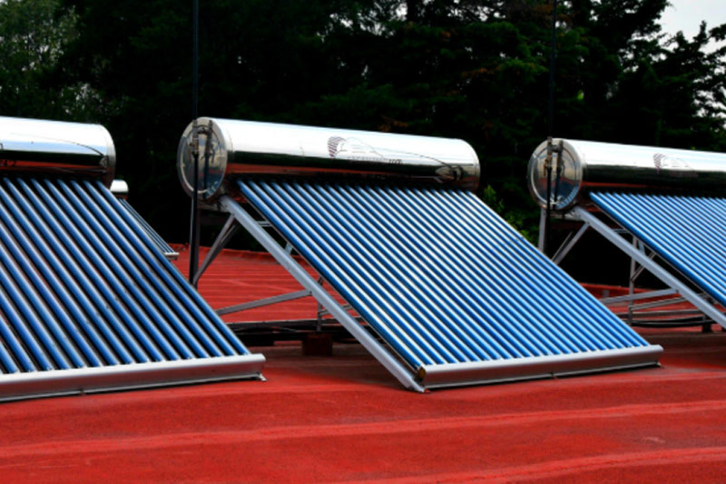 Reparten calentadores solares a personas en situación de vulnerabilidad