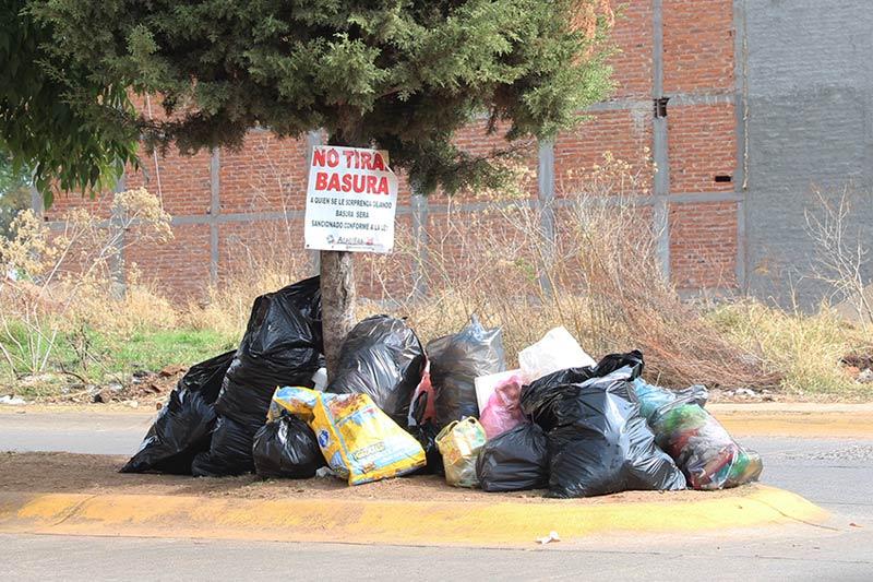 El problema de la basura rebasa a las autoridades