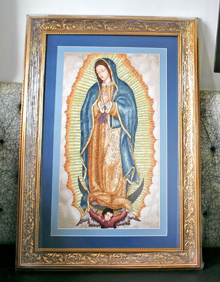 Realiza arandense espectacular reproducción de la Virgen de Guadalupe en punto de cruz