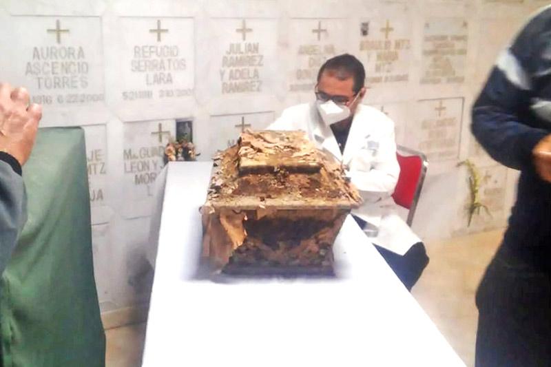 Exhuman cadáver del cristero Aristeo Pedroza